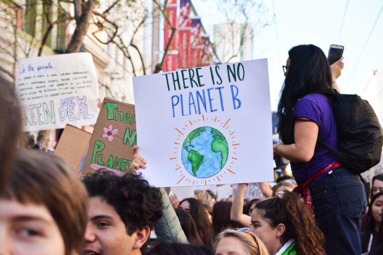 Jak rozmawiać z młodzieżą o zmianach klimatu i sprawiedliwej transformacji – szkolenie dla nauczycieli